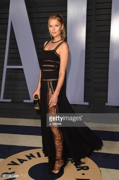 Toni Garrn attends the 2018 Vanity Fair Oscar Party hosted by Radhika Jones at the Wallis Annenberg Center for the Performing Arts on March 4 2018 in...