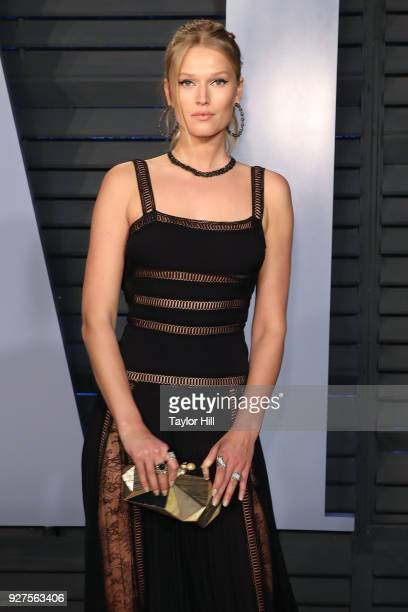 Toni Garrn attends the 2018 Vanity Fair Oscar Party hosted by Radhika Jones at Wallis Annenberg Center for the Performing Arts on March 4 2018 in...