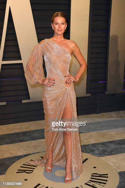 Toni Garrn attends the 2019 Vanity Fair Oscar Party hosted by Radhika Jones at Wallis Annenberg Center for the Performing Arts on February 24 2019 in...