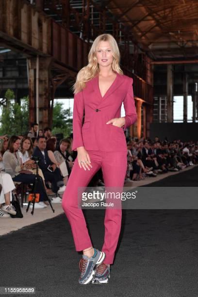 Toni Garrn attends the Ermenegildo Zegna fashion show during the Milan Men's Fashion Week Spring/Summer 2020 on June 14, 2019 in Milan, Italy.