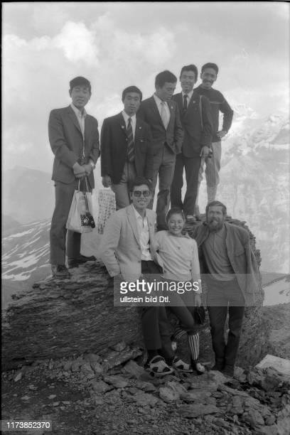 Toni Hiebeler, Sherpa Tensing and the six Eiger Japanese on the Schilthorn, 1969