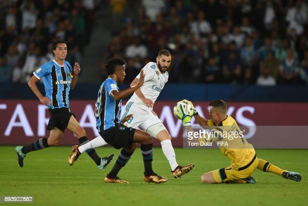Toni Kroos attempts to score a goal during the FIFA Club World Cup UAE 2017 final match between Gremio and Real Madrid at Zayed Sports City Stadium...