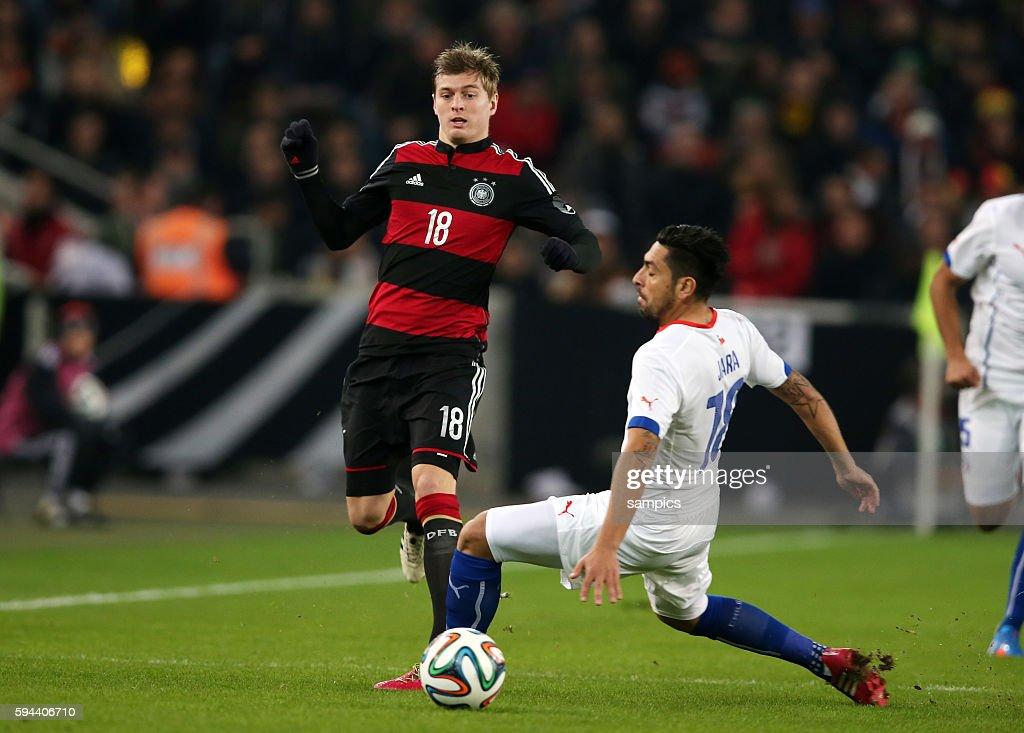 Toni Kroos Deutschland Gegen Gonzalo Jara Chile Fussball News Photo Getty Images