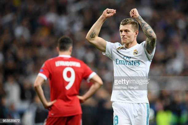 Toni Kroos f Real Madrid celebrates as they reach the final after the UEFA Champions League Semi Final Second Leg match between Real Madrid and...