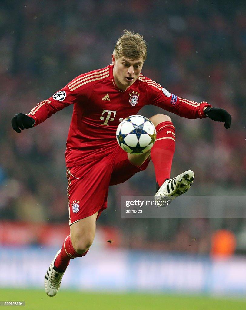 Toni KROOS FC Bayern München Viertelfinale FC Bayern München - FC... Foto  di attualità - Getty Images