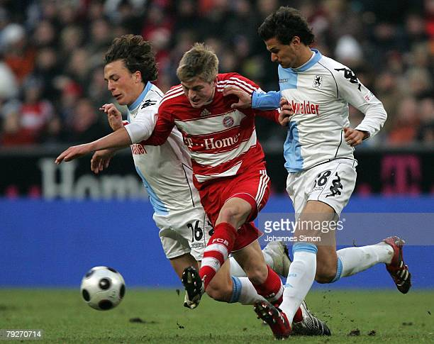 Toni Kroos of Bayern Munich in action with Julian Baumgartlinger and Alexander Eberlein of TSV 1860 during the friendly match between FC Bayern...