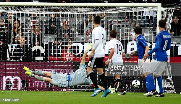 Toni Kroos of Germaniy scores the opening goal during the international friendly match between Germany and Italy at Allianz Arena on March 29 2016 in...