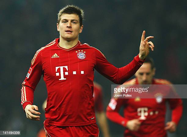 Toni Kroos of Muenchen celebrates after scoring his team's fifth goal during the Bundesliga match between Hertha BSC Berlin and FC Bayern Muenchen at...