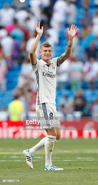 Toni Kroos of Real Madrid aplause to the fans during the La Liga match between Real Madrid CF and CA Osasuna at Estadio Santiago Bernabeu on...