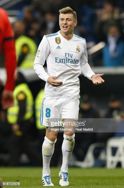 Toni Kroos of Real Madrid celebrates after scoring his team's third goal during the La Liga match between Real Madrid and Real Sociedad at Estadio...