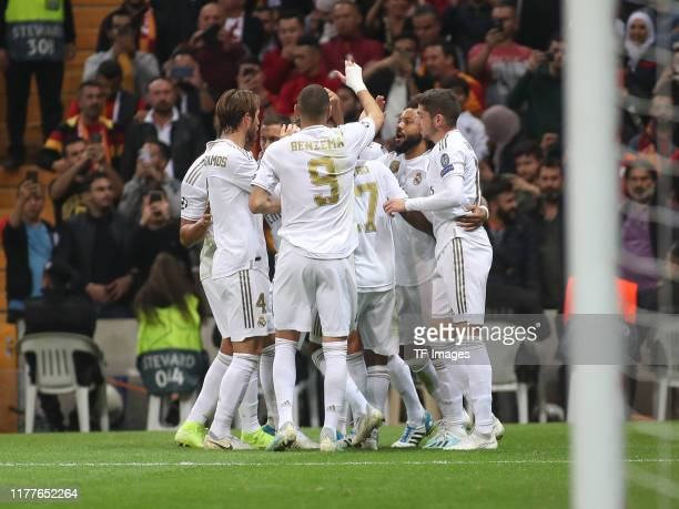 Toni Kroos of Real Madrid celebrates with team mates during the UEFA Champions League group A match between Galatasaray and Real Madrid at Turk...
