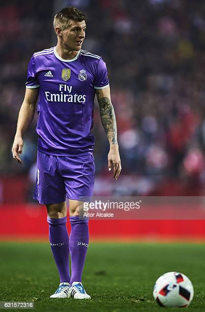 Toni Kroos of Real Madrid CF looks on during the Copa del Rey Round of 16 Second Leg match between Sevilla FC vs Real Madrid CF at Ramon Sanchez...