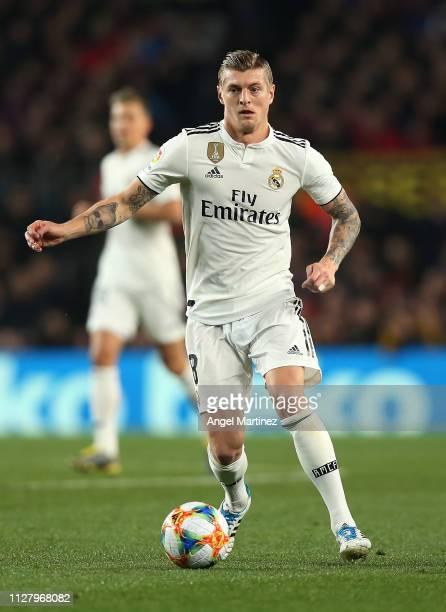 Toni Kroos of Real Madrid in action during the Copa del Rey Semi Final match between FC Barcelona and Real Madrid at Nou Camp on February 06 2019 in...