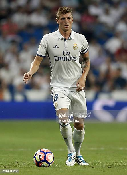 Toni Kroos of Real Madrid in action during the La Liga match between Real Madrid CF and RC Celta de Vigo at Estadio Santiago Bernabeu on August 27...