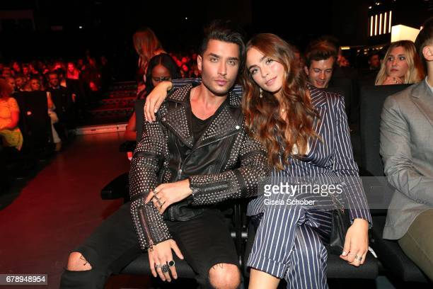 Toni Mahfud and Sofia Matiamu during the ABOUT YOU AWARDS at the 'Mehr Theater' in Hamburg on May 4 2017 in Hamburg Germany