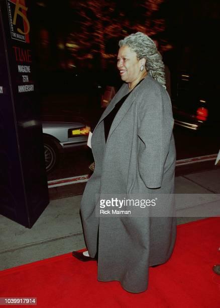 Toni Morrison arrives at the Radio City Music Hall