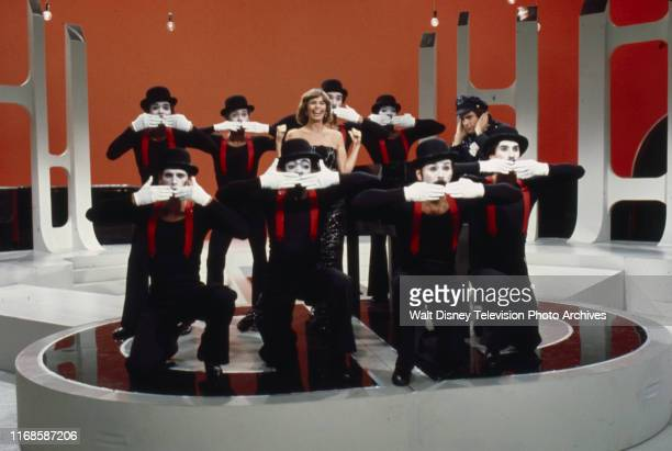 Toni Tennille Daryl Dragon The Captain and Tennille performing with a group of mimes on the ABC tv series 'The Captain and Tennille'