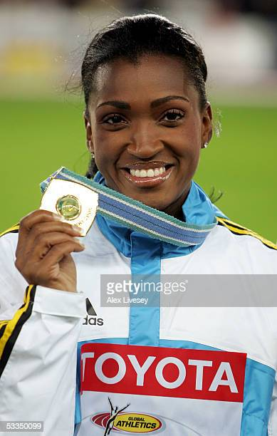 Tonique WilliamsDarling of Bahamas poses for a picture during the medal ceremony for the women's 400 metres final during the 10th IAAF World...