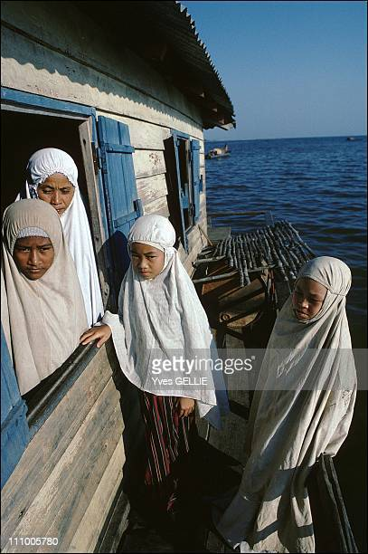 Tonle Sap lake in Cambodia in 19992003 Floating mosque in Kompong Phtoul village KhmersIslam descend from the Chams Traditionally during the Angkor...