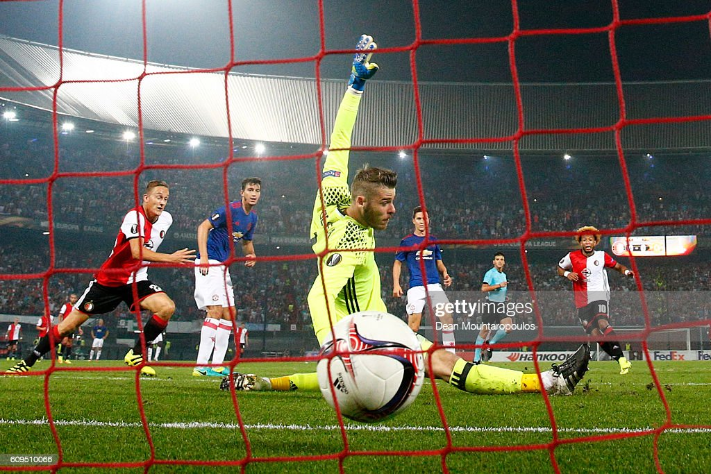 Tonny Vilhena of Feyenoord scores his sides first goal past goalkeeper David De Gea of Manchester United during the UEFA Europa League Group A match between Feyenoord and Manchester United FC at Feijenoord Stadion on September 15, 2016 in Rotterdam, .