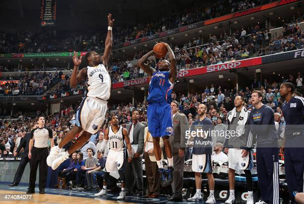 Tony Allen of the Memphis Grizzlies blocks a three point shot attempted by Jamal Crawford of the Los Angeles Clippers on February 21 2014 at...