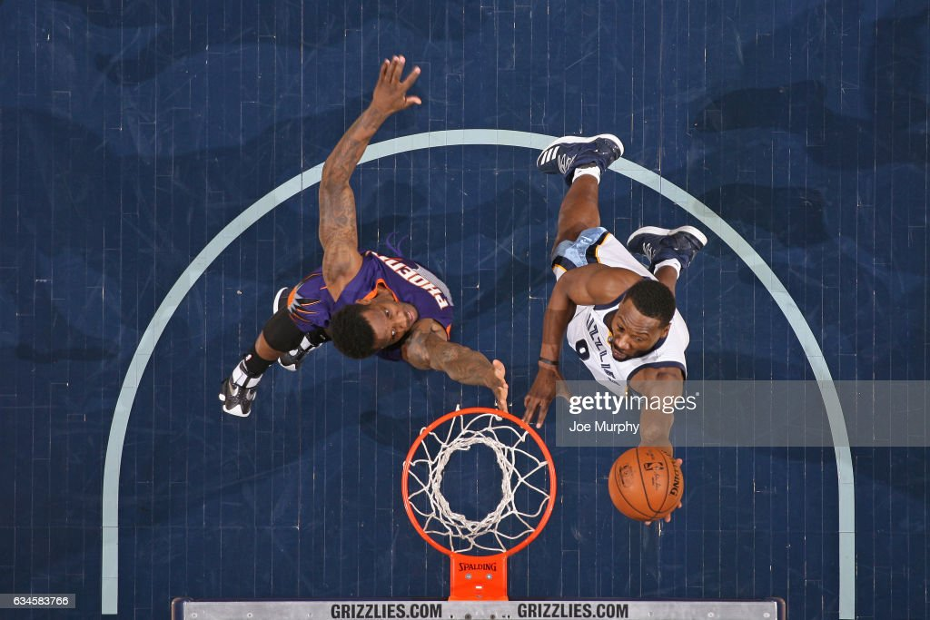 Tony Allen #9 of the Memphis Grizzlies drives to the basket against the Phoenix Suns on February 8, 2017 at FedExForum in Memphis, Tennessee.