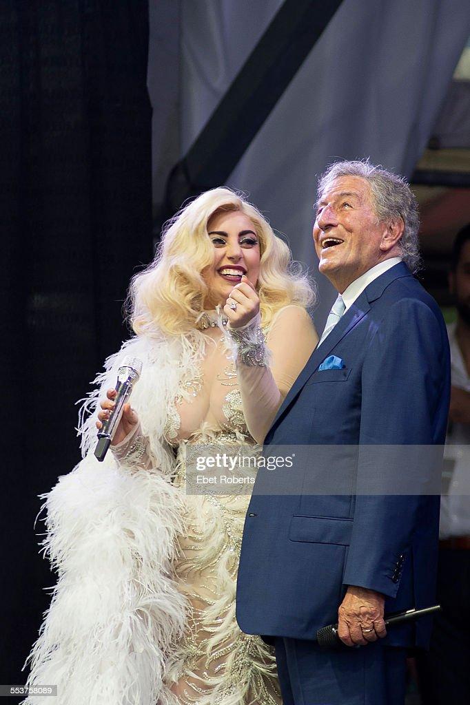 Tony Bennett And Lady Gaga : News Photo