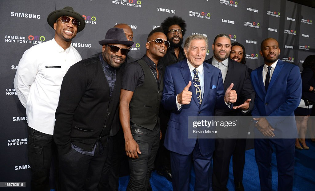 Tony Bennett (C) and The Roots attend Samsung Hope For Children Gala 2015 at Hammerstein Ballroom on September 17, 2015 in New York City.