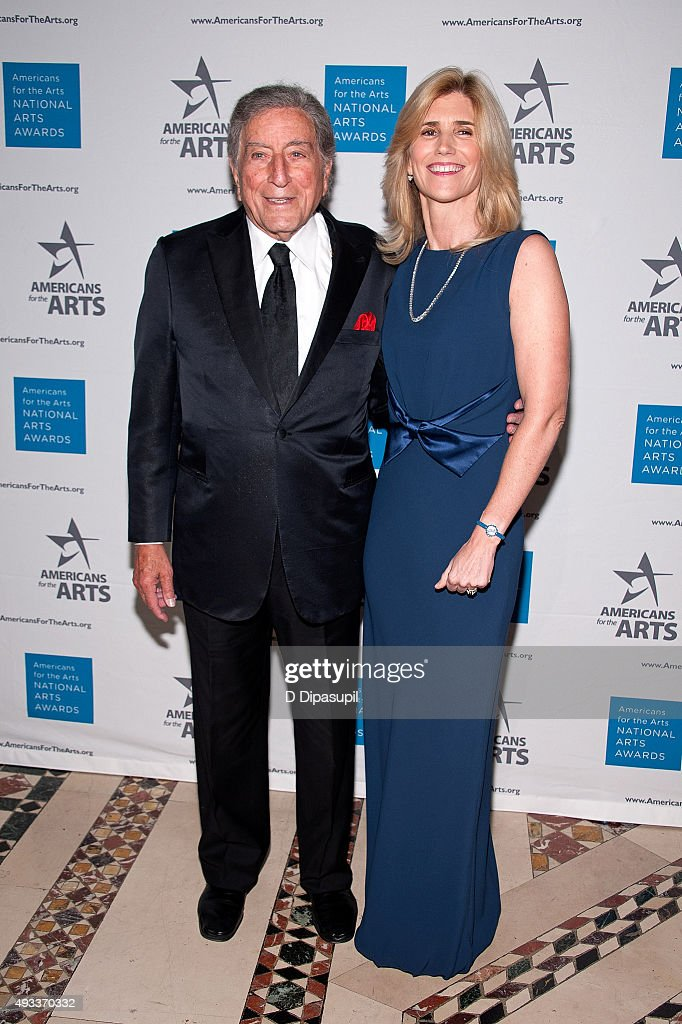 Tony Bennett (L) and wife Susan Crow attend the 2015 National Arts Awards at Cipriani 42nd Street on October 19, 2015 in New York City.