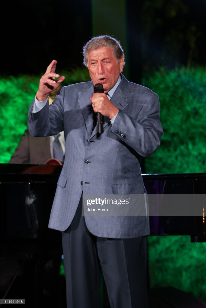 Tony Bennett performs during the Tony Bennett Benefit Gala at Vizcaya Museum & Gardens on March 19, 2012 in Miami, Florida.