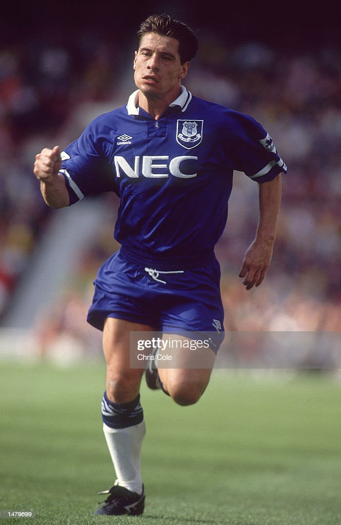 Tony Cottee of Everton : Nieuwsfoto's