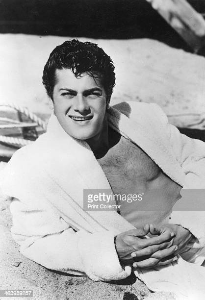 Tony Curtis American film actor 20th century Curtis made his screen debut in 1948 in Criss Cross His career reached its peak in the late 1950s when...