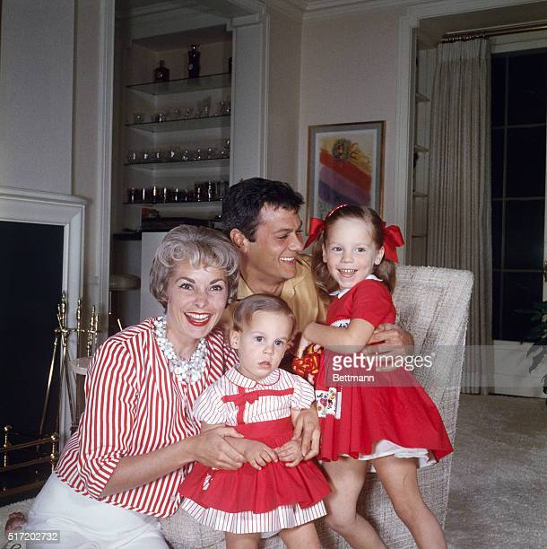 Tony Curtis and Janet Leigh with their two daughters Jamie Lee and Kelly Lee