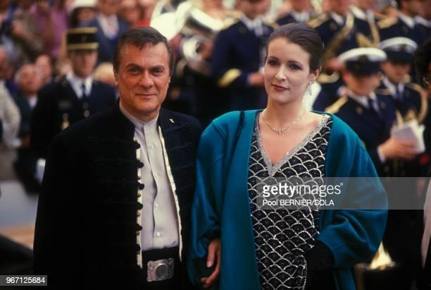 Tony Curtis et sa femme Andrea lors de la soiree de cloture du 38eme Festival de Cannes le 20 mai 1985 a Cannes France