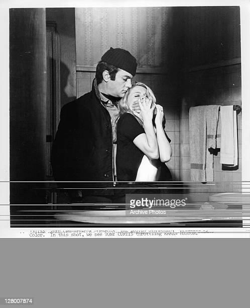 Tony Curtis throttling Karen Huston in a scene from the film 'The Boston Strangler' 1968