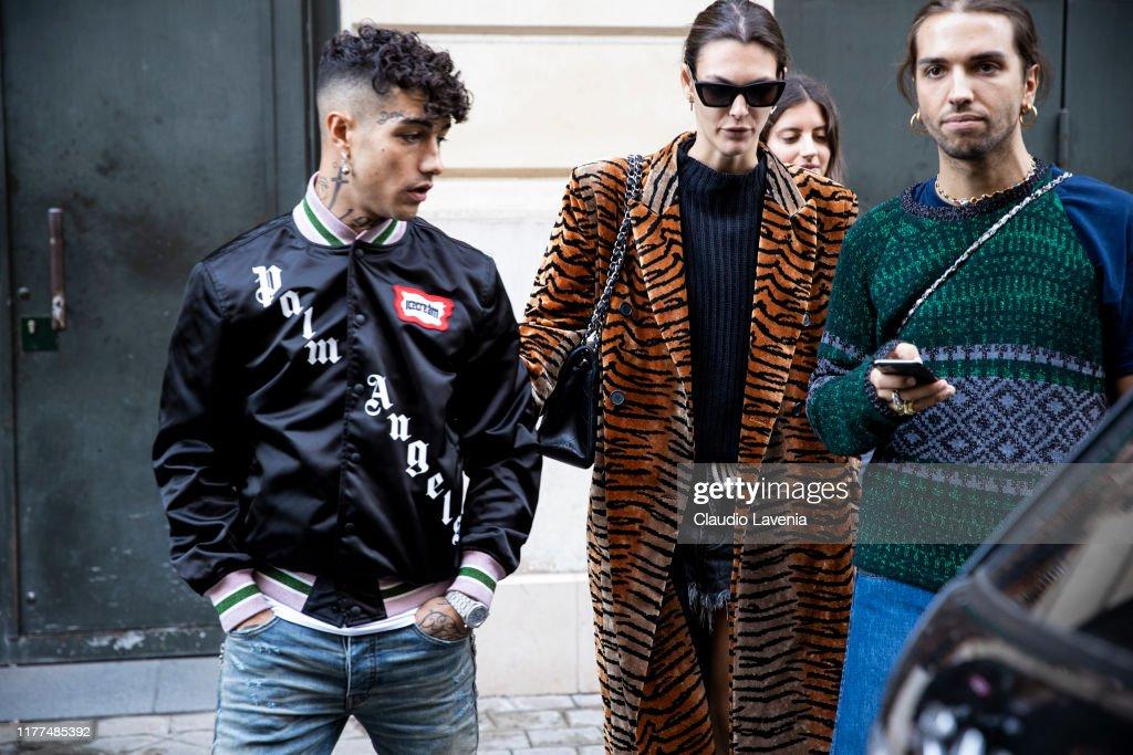 Celebrity Sightings : Paris Fashion Week - Womenswear Spring Summer 2020 : Day Five : ニュース写真