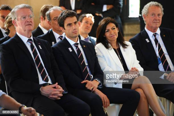 Tony Estanguet cochairman of the Paris 2024 Organising Committee Paris Mayoress Anne Hidalgo cochairman of the Organising Committee Bernard Lapasset...