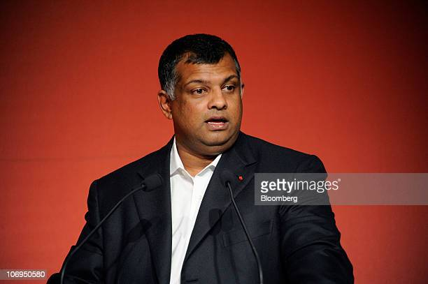Tony Fernandes chief executive officer of AirAsia Bhd speaks during a news conference in Paris France on Thursday Nov 18 2010 AirAsia Bhd Southeast...