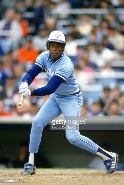 Tony Fernandez of the Toronto Blue Jays bats against the New York Yankees during an Major League Baseball game circa 1989 at Yankee Stadium in the...