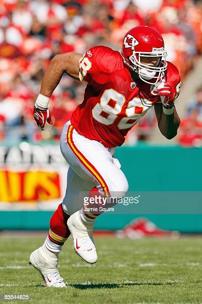 Tony Gonazelez of the Kansas City Chiefs runs on the field during the game against the Tennessee Titans at Arrowhead Stadium on October 19 2008 in...