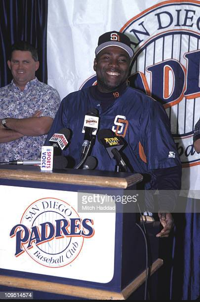 Tony Gwynn and Padres GM Kevin Towers at press conference to announce new deal with the Padres
