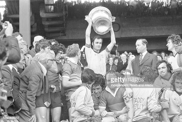 Tony Hanahoe holds aloft the Sam maguire cup after Dublin defeated Kerry in the 1976 All-Ireland final, 26/091976 .