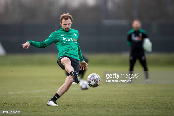 Tony Jantschke of Borussia Moenchengladbach in action during a Training session of Borussia Moenchengladbach at Borussia-Park on February 22, 2021 in...