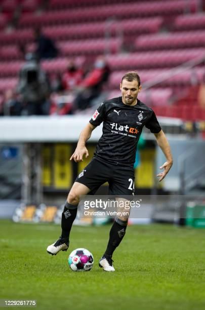 Tony Jantschke of Borussia Moenchengladbach in action during the Bundesliga match between 1. FSV Mainz 05 and Borussia Moenchengladbach at Opel Arena...