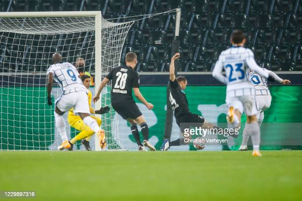Tony Jantschke of Borussia Moenchengladbach in action during the Group B - UEFA Champions League match between Borussia Mönchengladbach and FC...