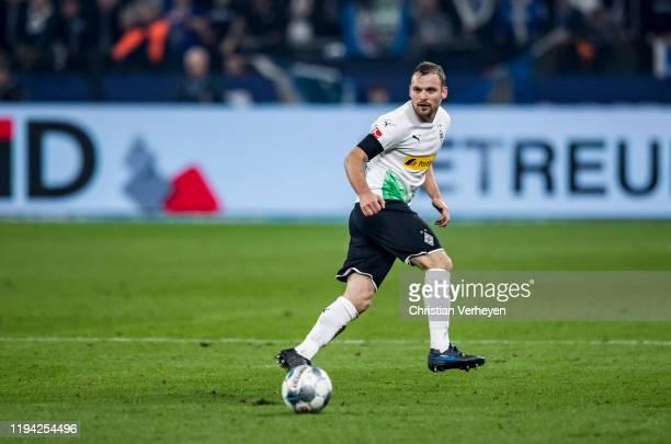 Tony Jantschke of Borussia Moenchengladbach in action during the Bundesliga match between FC Schalke 04 and Borussia Moenchengladbach at VeltinsArena...