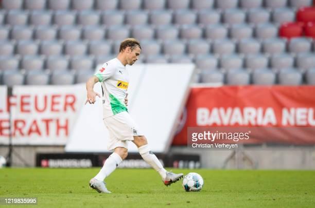 Tony Jantschke of Borussia Moenchengladbach in action during the Bundesliga match between FC Bayern Muenchen and Borussia Moenchengladbach at Allianz...
