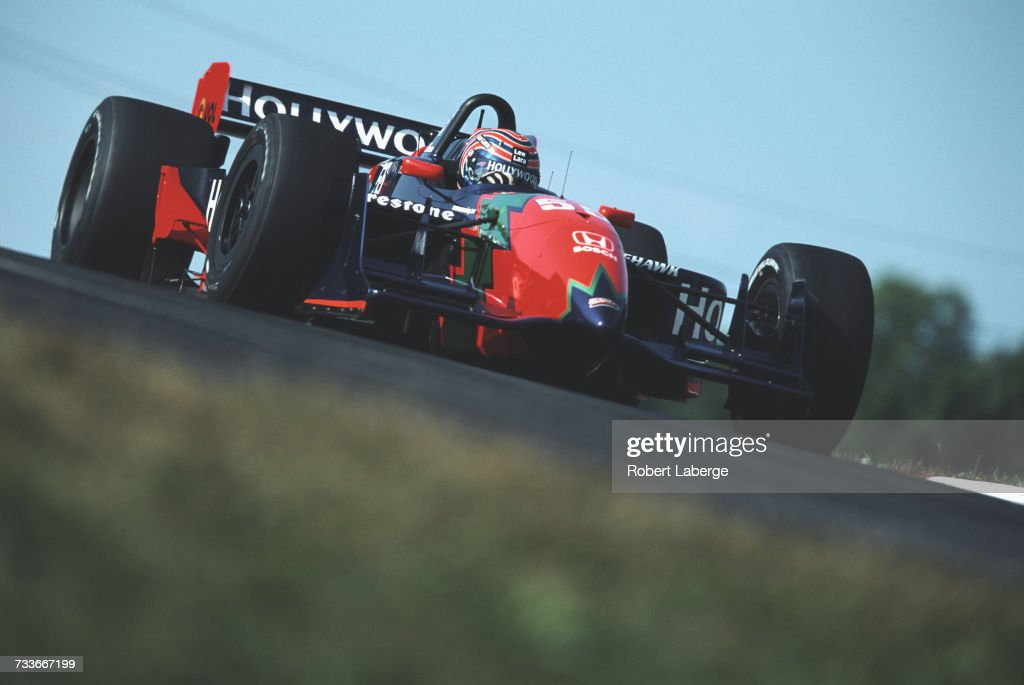 Tony Kanaan of Brazil drives the #55 Hollywood Mo Nunn Racing Reynard 01i Honda HR-1 during the Championship Auto Racing Teams (CART) 2001 FedEx Championship Series CART Miller Lite 200 on 12 August 2001 at the Mid-Ohio Sports Car Course, Lexington, Ohio, United States.