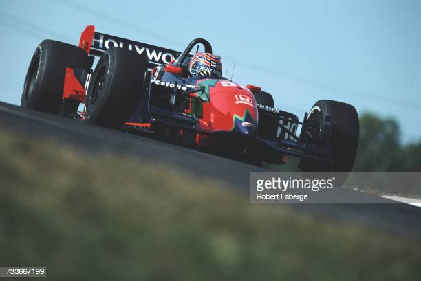 Tony Kanaan of Brazil drives the Hollywood Mo Nunn Racing Reynard 01i Honda HR1 during the Championship Auto Racing Teams 2001 FedEx Championship...