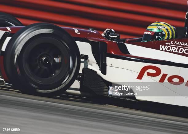 Tony Kanaan of Brazil drives the Mo Nunn Racing Lola B02/00 Honda HR2 during practice for the Championship Auto Racing Teams 2002 FedEx Championship...